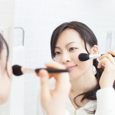 Kuas dan Spons Makeup Kotor Bisa Memicu Kerutan Halus, Ini Faktanya!