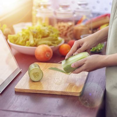 Bisa Picu Penuaan Dini, Begini Tips Jaga Kulit Sehat Selama Memasak