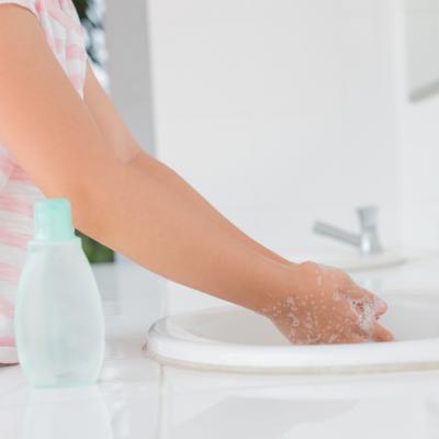 Sering Cuci Tangan Memicu Kulit Jadi Kering, Rawat dengan 5 Solusi Rumahan Ini