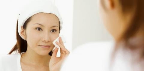 Cara Make Up Tepat Bagi Pemilik Wajah Berminyak