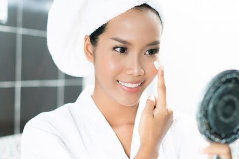 Step by Step Merawat Kulit Cantikmu dengan Natur-E Advanced Anti-Aging Face Series