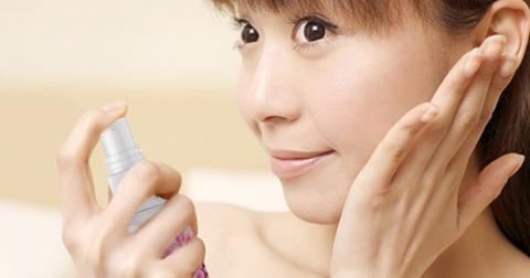 Dapatkan Manfaat Vitamin Wajah dari Natur-E Face Mist untuk Mencegah Photo-Polluaging