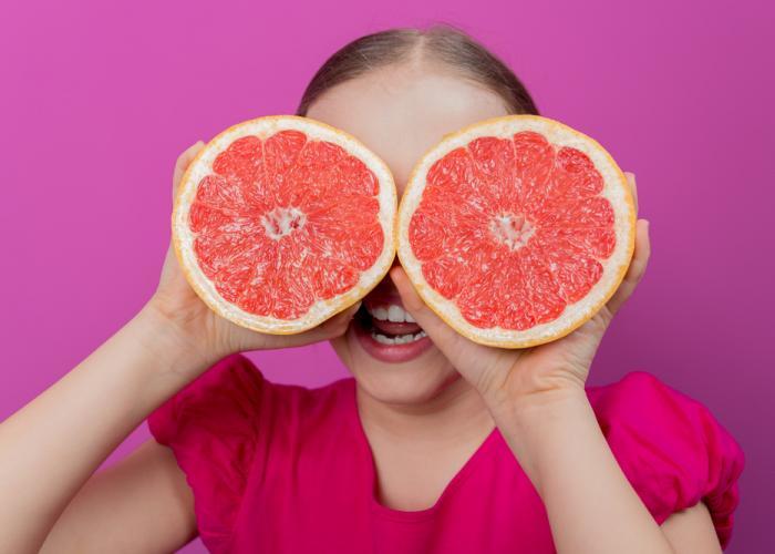 Manfaat Pink Pomelo Jadi Rahasia Kulit Cantikmu di Usia 25 Tahun